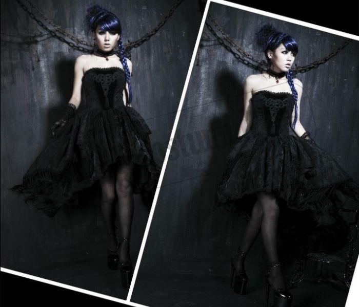 Super Festa tema Dark, Gothic Party, Emo: come vestirsi  FS17